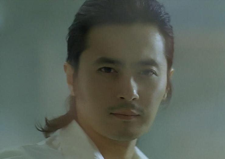 Cm チャン ドンゴン
