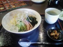 冷麺 + キムチ + スープ + サラダ