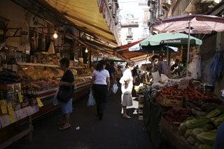 カターニャの市場