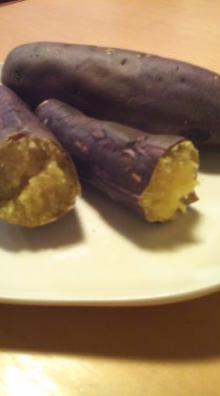 格闘親子と、のほほん母-焼き芋