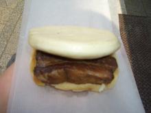 豚角煮バーガー(350円)