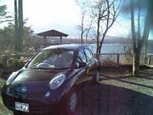富士と湖と車