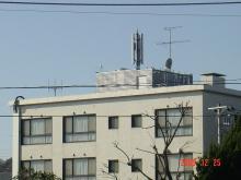 北鎌倉・鎌倉の携帯基地局乱立による複合電磁波汚染の改善を目指すブログ-由比ガ浜の住宅街の基地局