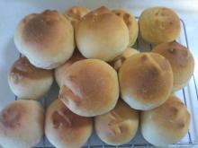格闘親子と、のほほん母-黒糖のパン