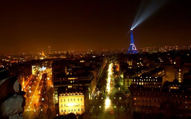 デートに使える!女社長の東京グルメスポット日記★-パリ 凱旋門から見たエッフェル塔