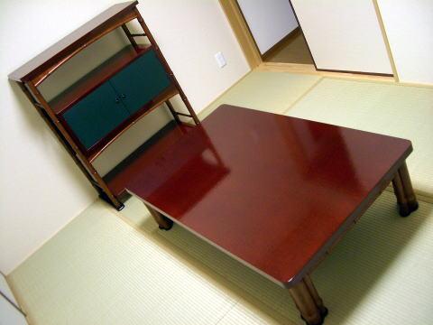 座卓と飾り棚