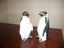 皇帝ペンギン2体