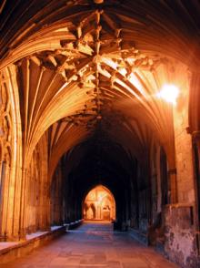 カンタベリー大聖堂 回廊