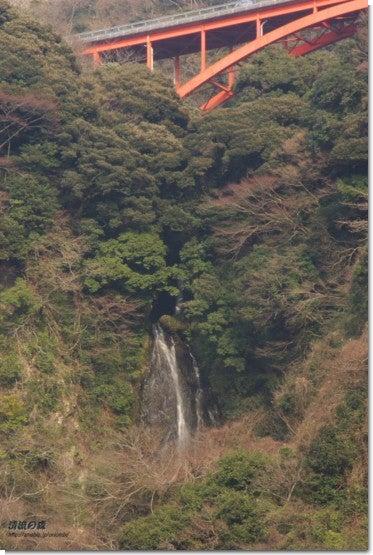 碧流の滝遠景