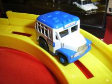 新ボンネットバス