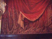 オペラ座の緞帳