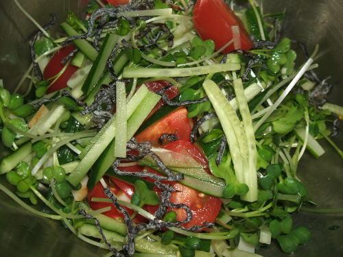 ブレッド&サーカス ブログ+コラム-燻製かまぼこサラダ