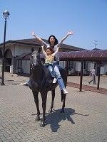 馬に跨る親子