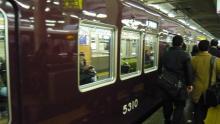 なんか茶色い電車