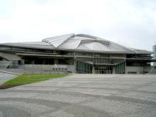 カニに見える「東京体育館」