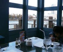 USJレストラン、窓際
