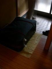 大きい方のスーツケース