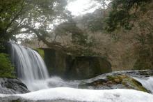 四十三萬の滝(左)