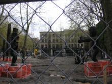 Apr19-057