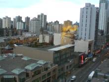 ホテルの窓からの眺め、そんなに悪くないでしょ。