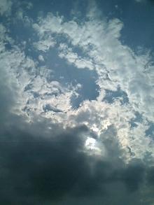 怪しき雲が通過…