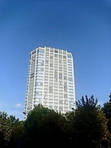 パークタワー