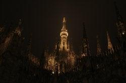 霧の中のミラノ大聖堂