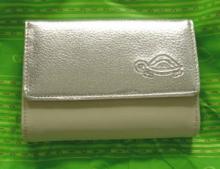 カルピッサ 二つ折り財布