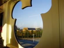 モノレール窓