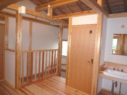 松島匠建の建てる木の家 「太田生品の家」Web日誌-階段下がる
