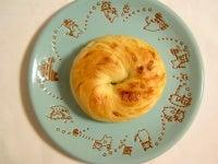 とろけるモッツァレラチーズベーグル(ベーグルU)