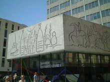 ピカソの壁画