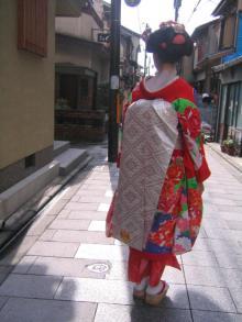 祇園を歩く
