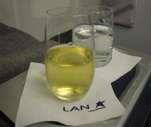 シャンパンと水