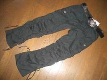 061028黒ズボン