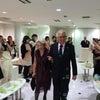 東京アニバーサリー卒業式に桂由美先生来校!!の画像
