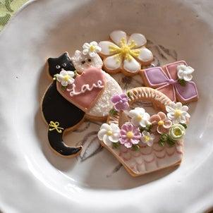 ネコちゃん&お花のアイシングクッキーの画像