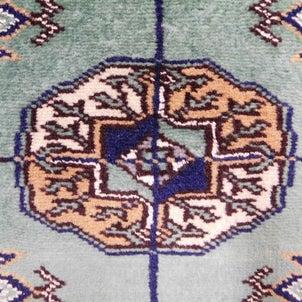 木村綾乃さん、玉木宏さん出演のCMのパキスタン絨毯の画像