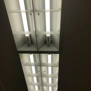 LED蛍光管取替工事の画像