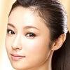深田恭子さんの眉毛の形を眉毛テンプレートで描いてみましょう メイク道具の通販 眉毛テンプレートでの画像