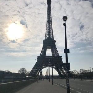 今日はエッフェル塔の日の画像