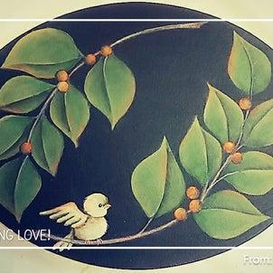 爽やかな緑と小鳥のさえずりプレートの画像