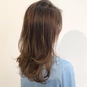 垢抜ける巻き髪の秘密は『濡れ感』だった!の画像