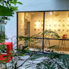 パールブックショップ&ギャラリーでの展覧会の様子の画像