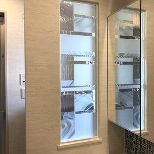 スワロフスキーの輝く洗面コーナーの画像