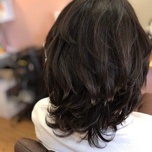抗がん剤終了後の髪の悩みはNO1はくるくるの画像