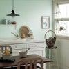 急遽玄関とリビングの壁・天井の壁紙を選ぶことに・東方位玄関に合うグリーン×ウッドで爽やかにの画像