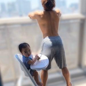 昼下がり、息子を日光浴に誘うの画像