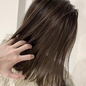 ボサボサ髪にサヨナラしよう!美容室帰りの美髪をお家で再現する方法の画像