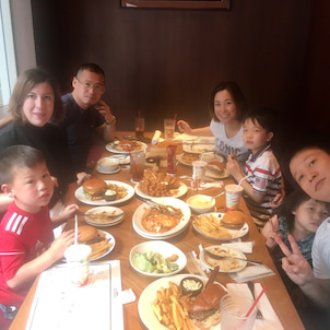 久しぶりに弟家族と会食の画像